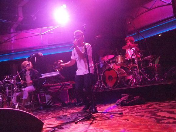 image from http://weheartmusic.typepad.com/.a/6a0133f3b98a81970b0133f58a84c2970b-pi