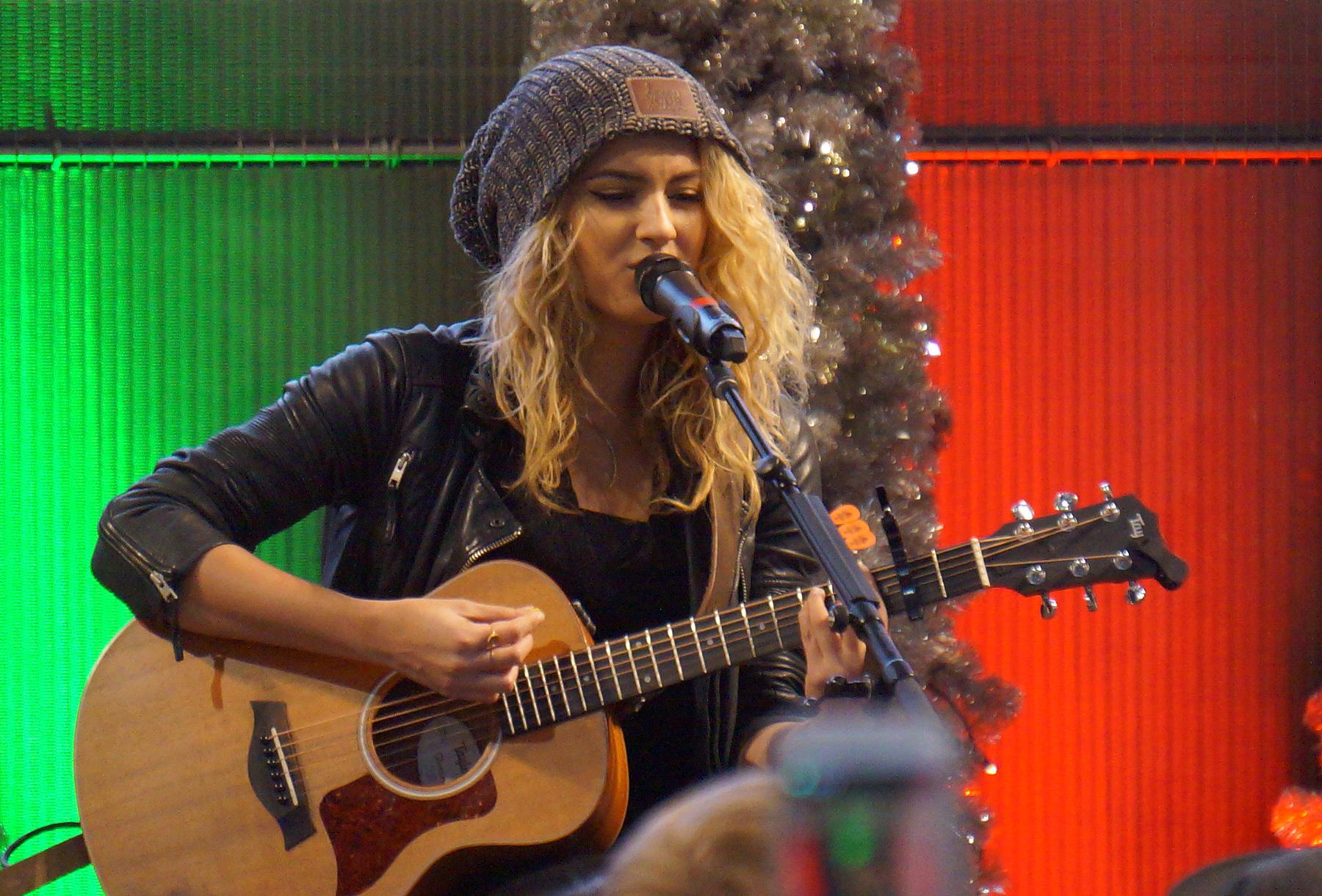 Tori Kelly Guitar Topsimages